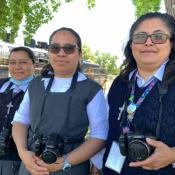 Tu voz importa: New Photovoice Project Equips Migrants with Cameras to Share The