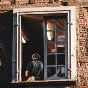Migrant Clinicians Network Reveals Ventilation Checklist for Safe Workplaces