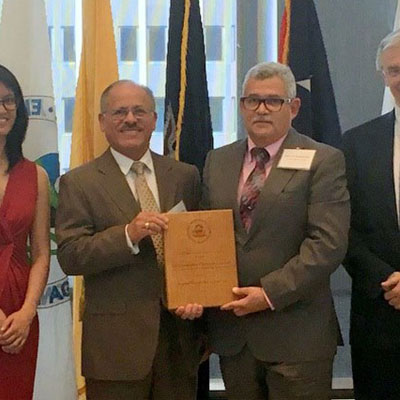 Dr. Jose Rodriguez and Sr. Domingo Monroig receiving EPA Award